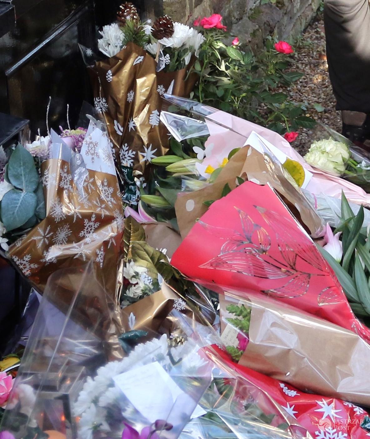 Kwiaty przed domem George'a Michaela po śmierci