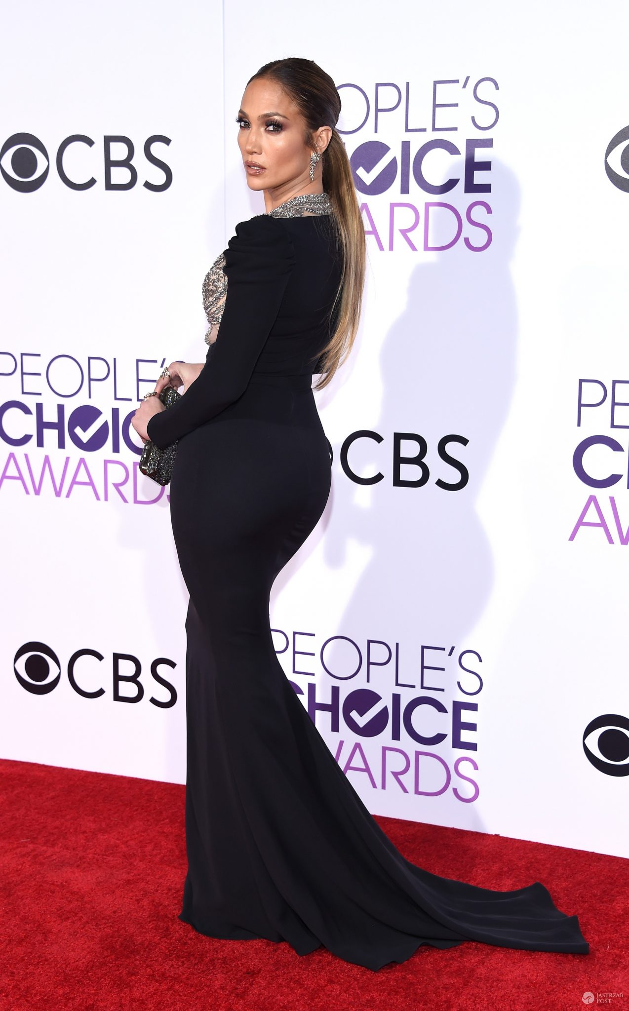 Kreacja Jennifer Lopez na People's Choice Awards 2017