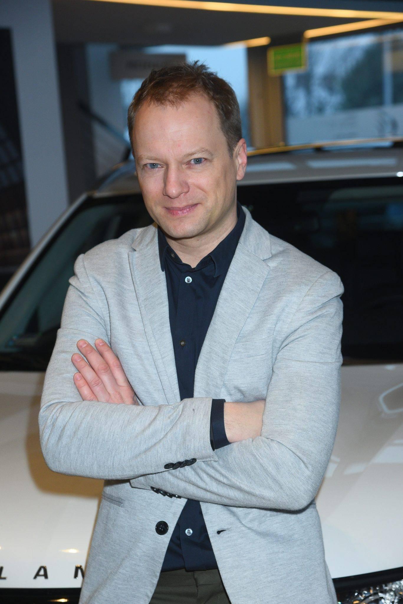 Maciej Stuhr na prezentacji samochodu