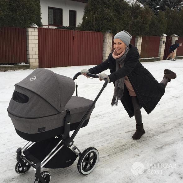 Paulina Sykut na spacerze z córką - Instagram