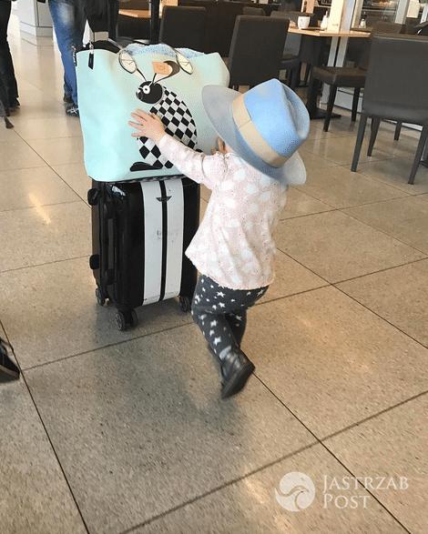 Córka Zosi Ślotały na lotnisku - Instagram
