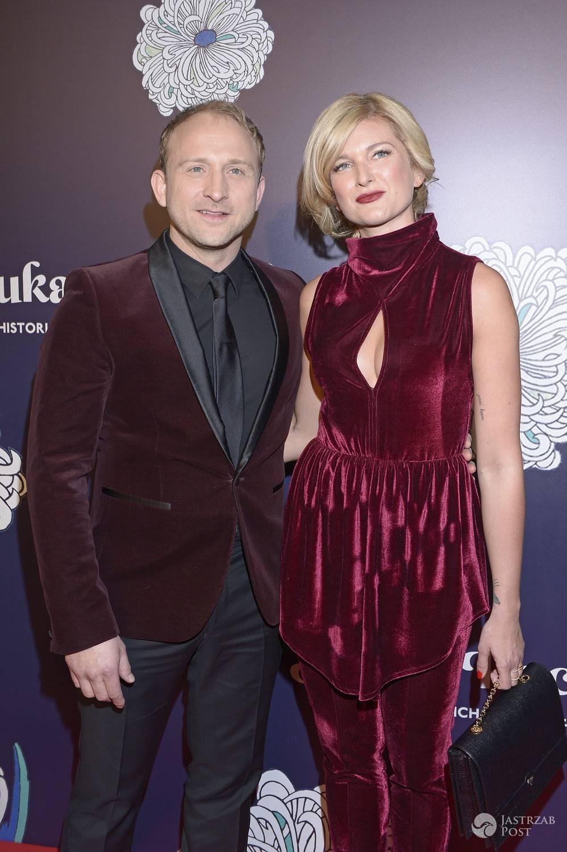Borys Szyc i Justyna Nagłowska na premierze Sztuki kochania. Zdjęcia 2017