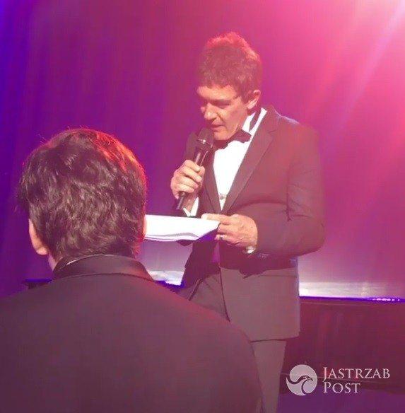 Antonio Banderas śpiewa na weselu