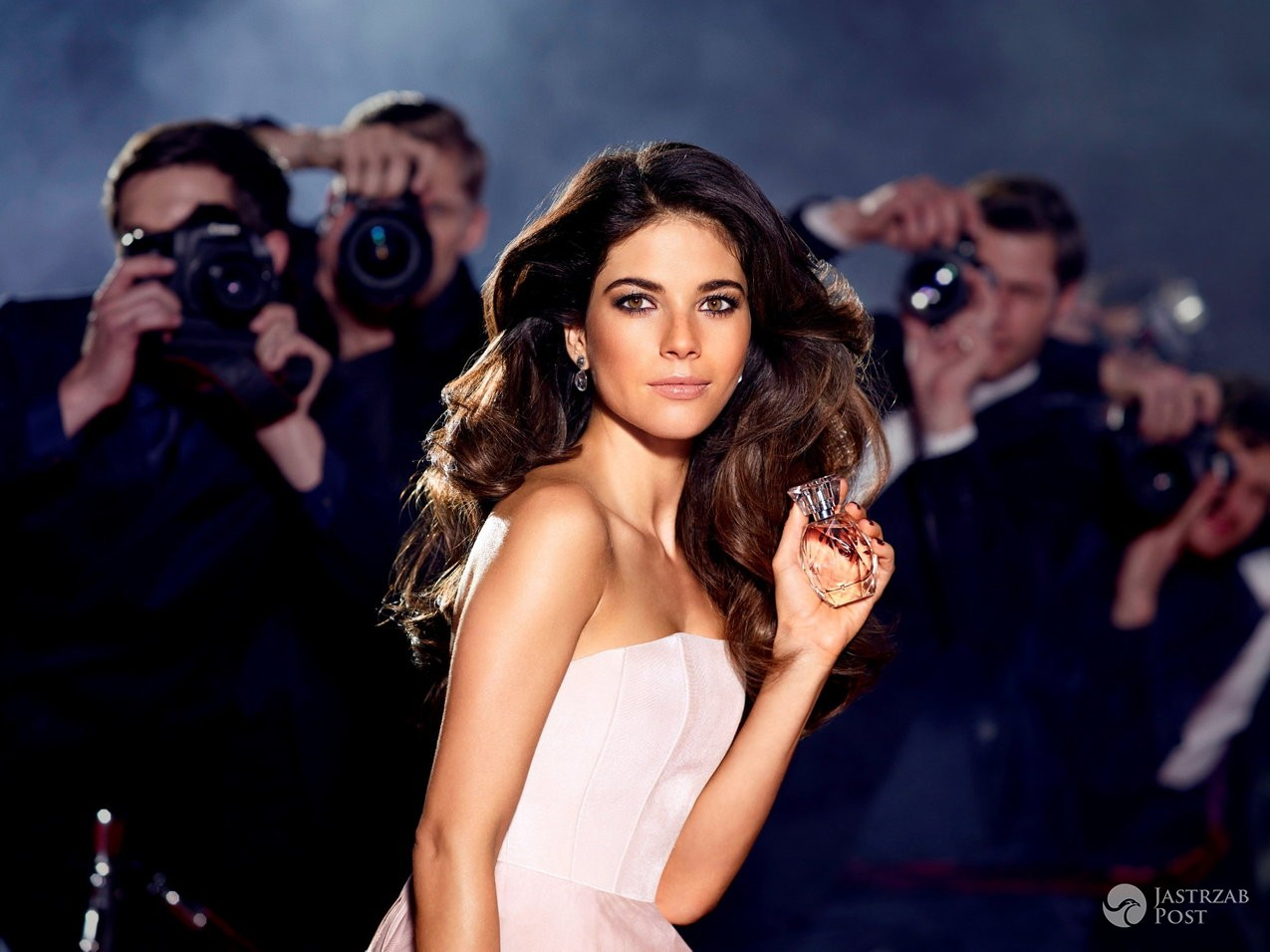 Weronika Rosati w kampanii AVON