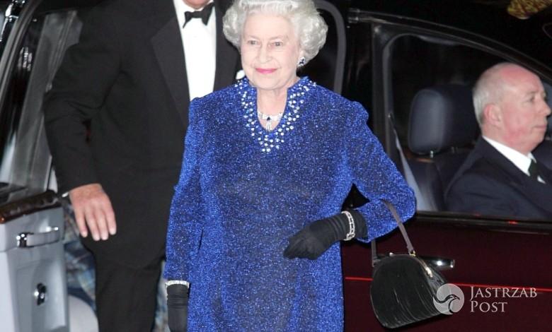 Królowa Elżbieta II - torebka