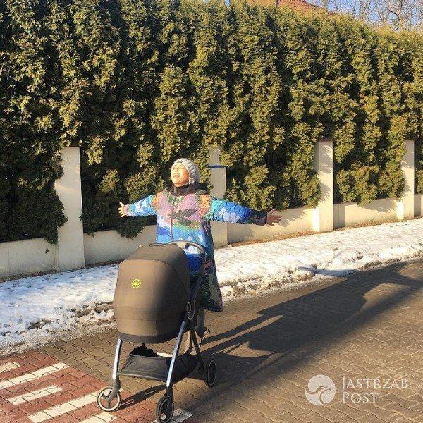 """Zdjęcie (6) Kukulska wrzuciła zdjęcie z Laurą: """"Zwykle się nie dzielę"""". Internet oszalał na widok 3-latki i jej fryzury"""