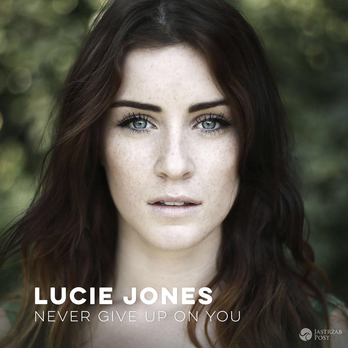 Lucie Jones z Wielkiej Brytanii na Eurowizji 2017