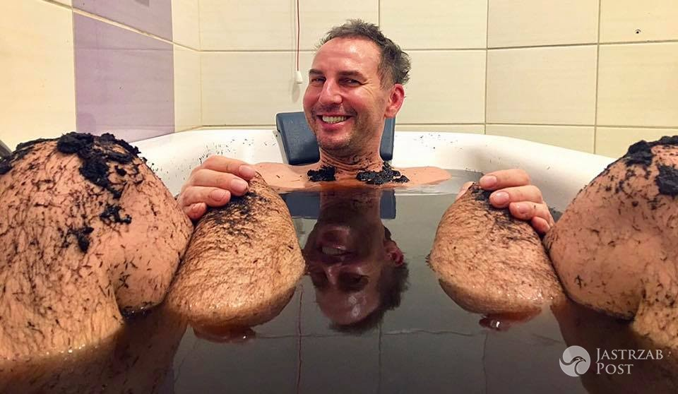 Krzysztof Gojdź pokazał zdjęcie z kąpieli w wannie