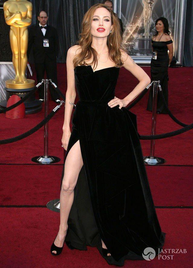 Najpiękniejsze kreacje Oscarów: Angelina Jolie (2012)