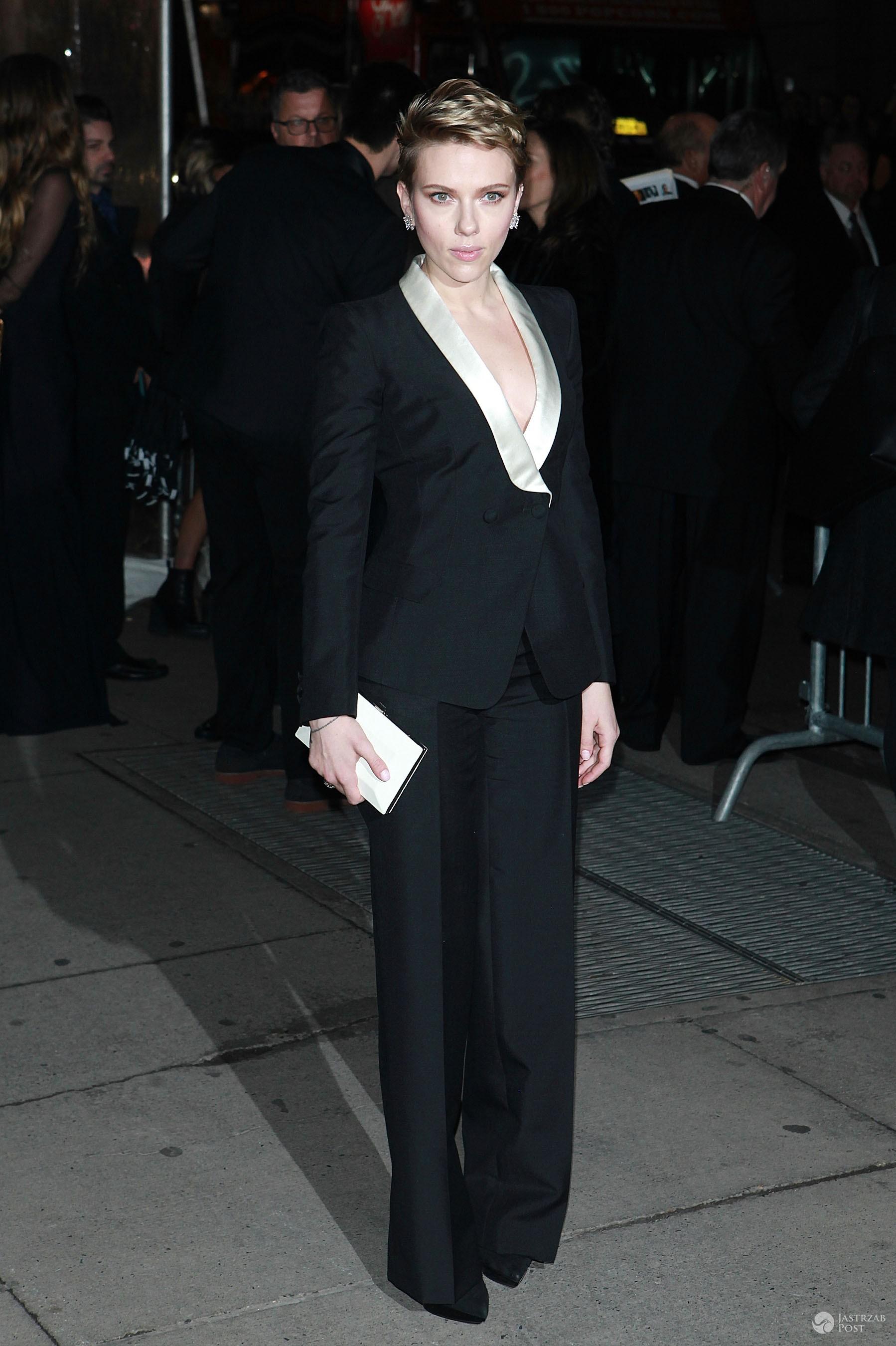 Scarlett Johansson - gala amfAR 2017 w Nowym Jorku