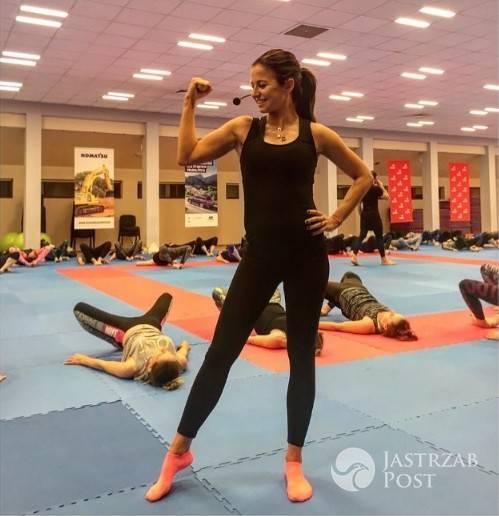 Ciężarna Anna Lewandowska chwali się figurą