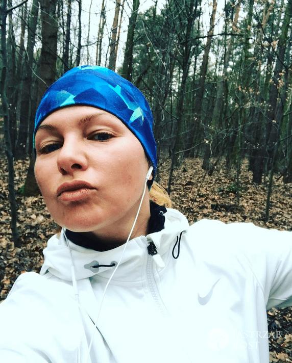 Katarzyna Bujakiewicz biega po lesie - Instagram