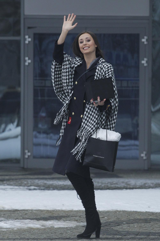 Meghan Markle Images >> Izabella Krzan wychodzi ze studia Pytania na śniadanie - paparazzi - Jastrząb Post