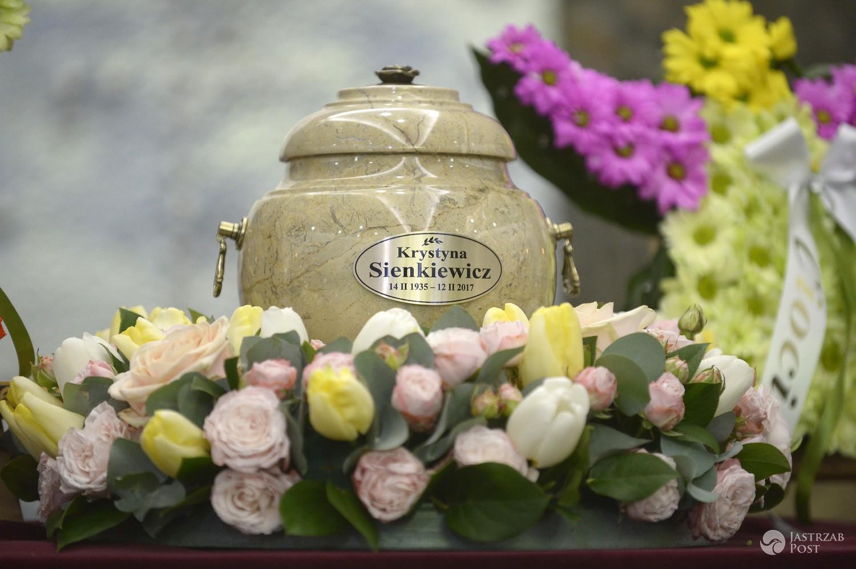 Zdjęcia z pogrzebu Krystyny Sienkiewicz