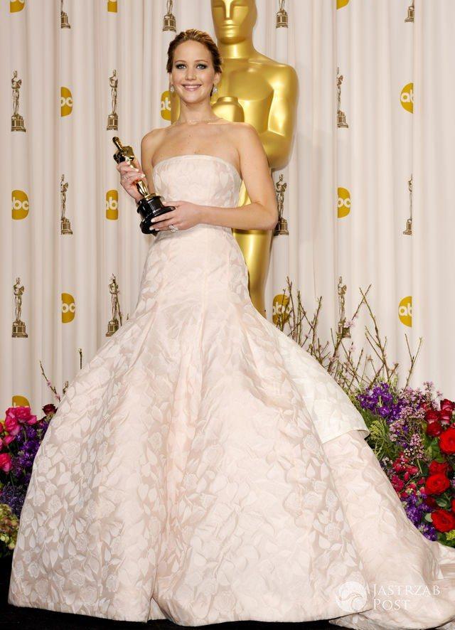 Najpiękniejsze kreacje Oscarów: Jennifer Lawrence (2013)