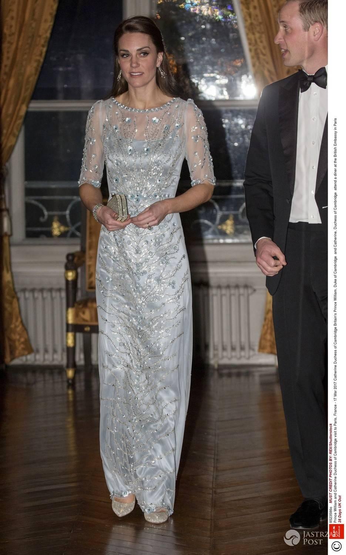Księżna Kate na balu w Paryżu za ponad 15 tysięcy złotych