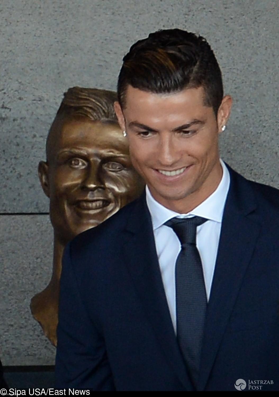 Popiersie Cristiano Ronaldo z brązu. Wpadka? (fot. East News)