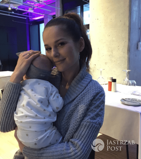 Paulina Sykut z córką Różą pierwszy raz w restauracji
