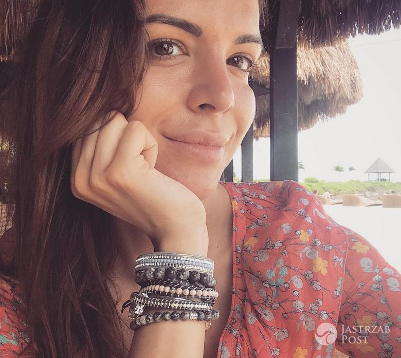 Anna Wendzikowska bez makijażu na plaży na Filipinach