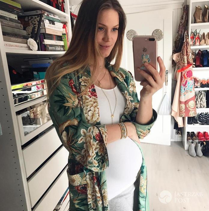 Ciążowy brzuszek Zosi Ślotały. Kimono z Zary