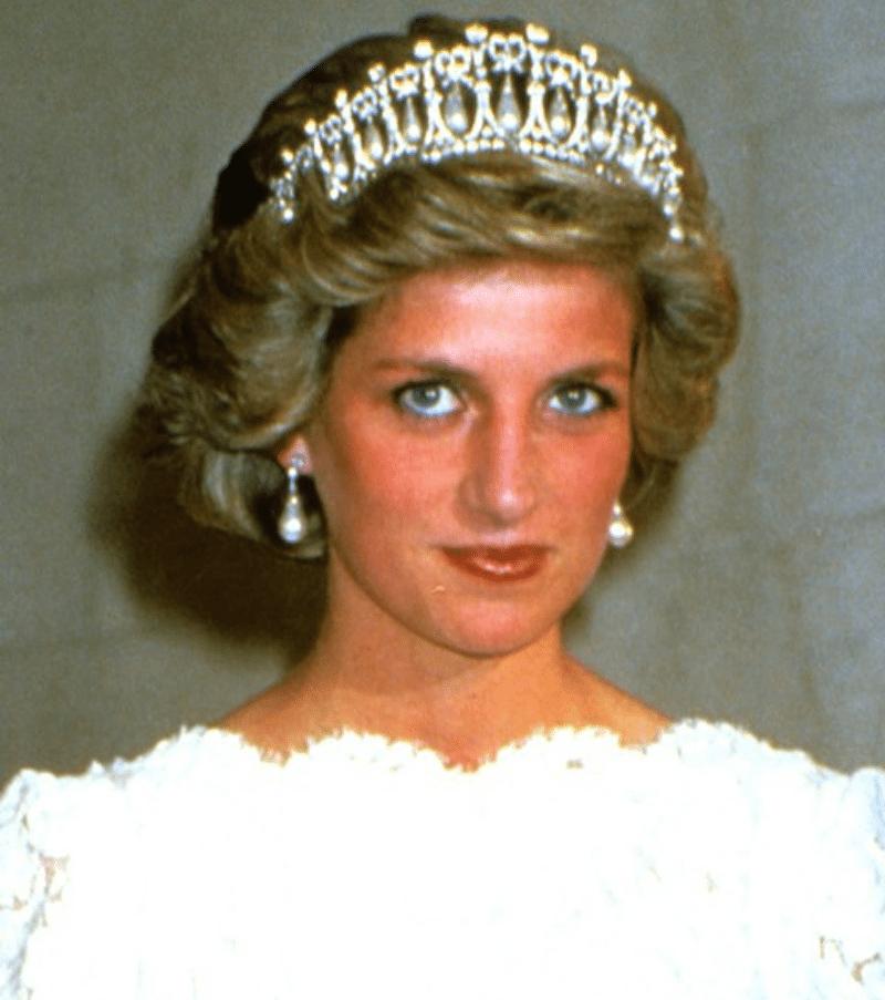 Tiara księżnej Diany przetopiona na pierścionek dla Meghan Markle