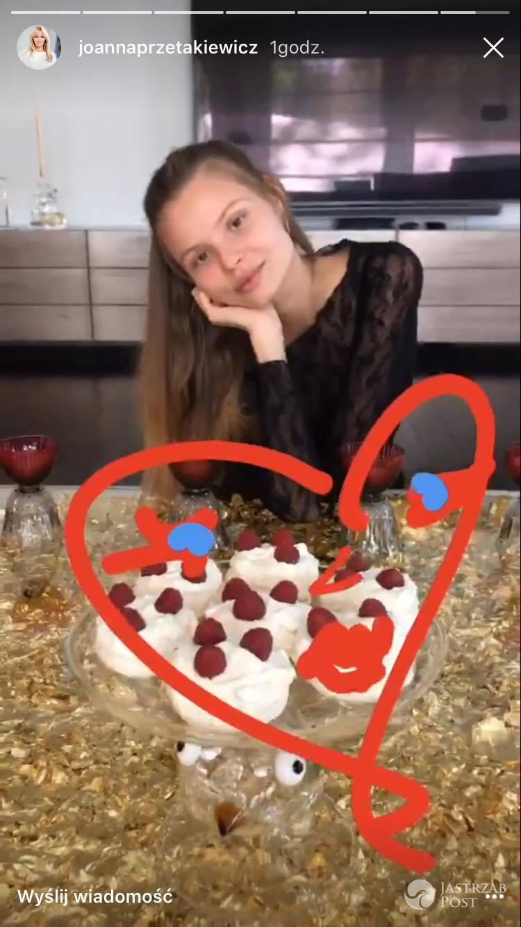 Magdalena Frąckowiak na kolacji Joanny Przetakiewicz