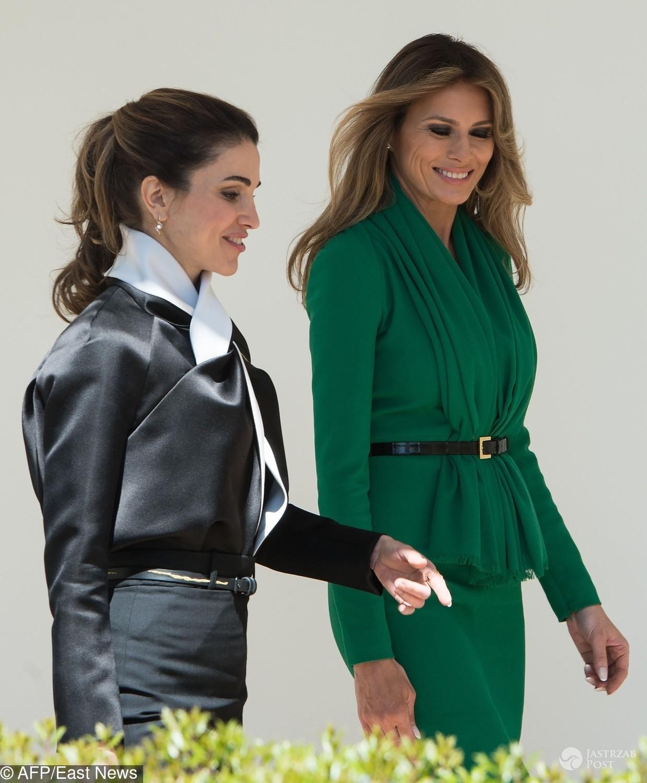 Melania Trump w szmaragdowej sukni Hervé Pierre na spotkaniu z królową Ranią