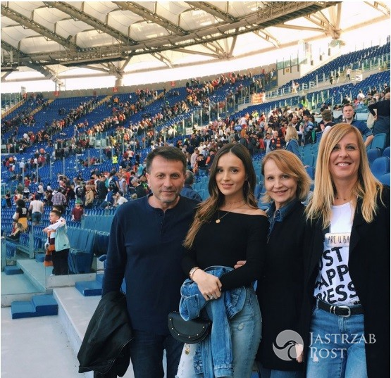 marina-z-rodzina-na-trybunach