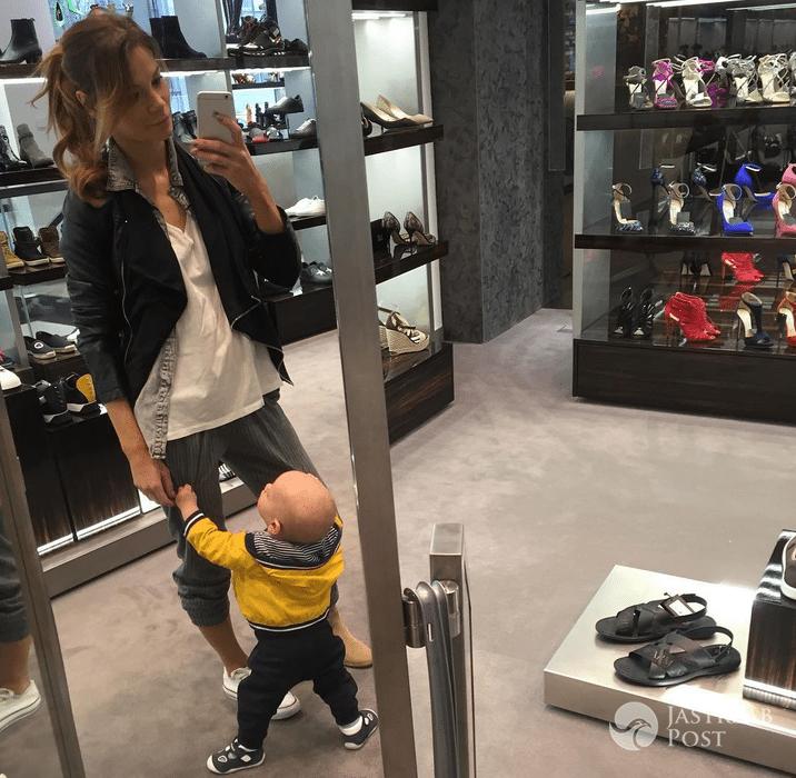 Maja Bohosiewicz z synem na zakupach