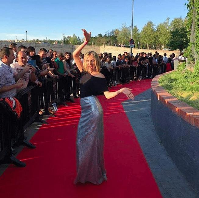 Kasia Moś w kreacji Mario Menezi na Eurowizji 2017 w Hiszpanii