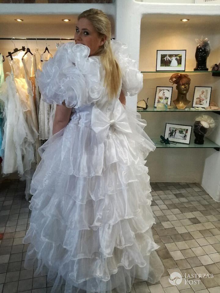 Elżbieta Romanowska w brzydkiej sukni ślubnej