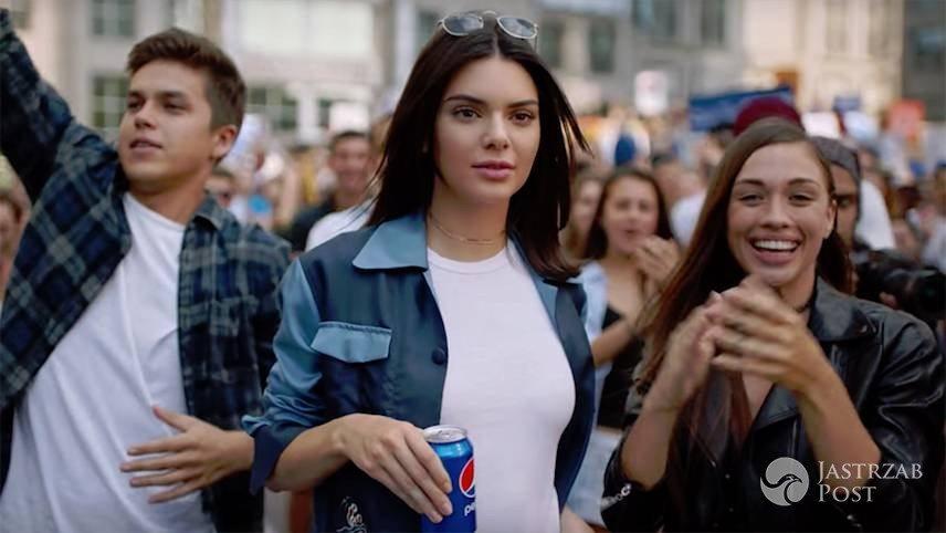 Gdzie kupić kurtkę Kendall Jenner z reklamy Pepsi?