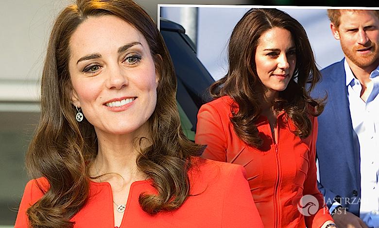 Księżna Kate czerwony kostium