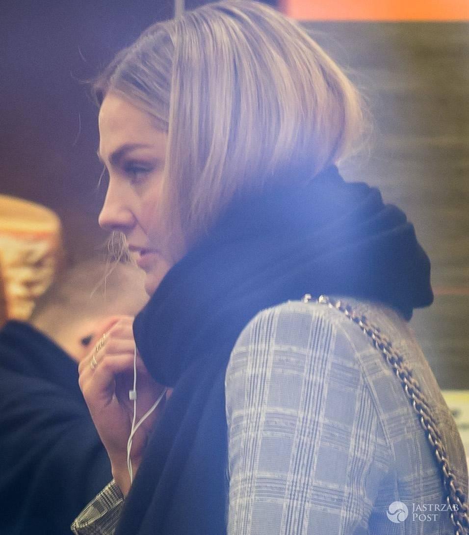 Małgorzata Socha w szaliku