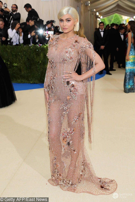 Kylie Jenner - MET Gala 2017, kreacja: Versace