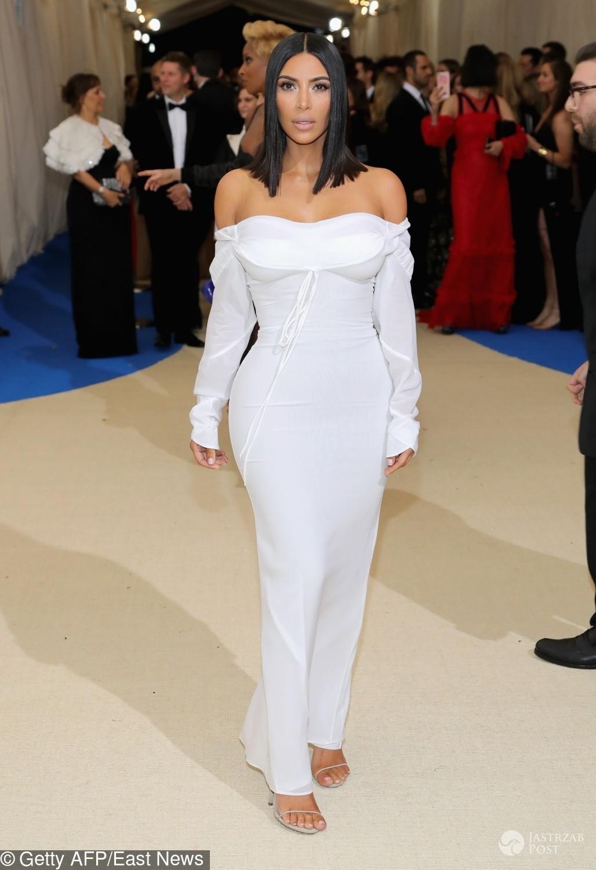 Kim Kardashian - MET Gala 2017, kreacja: Vivienne Westwood