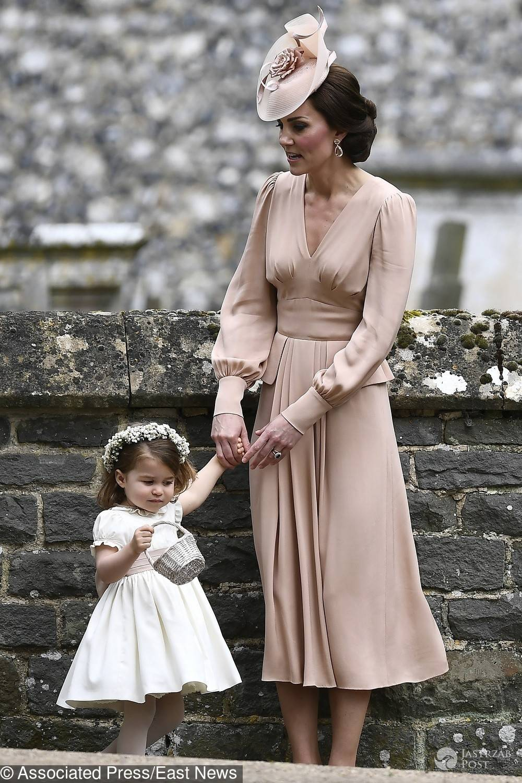 Księżna Kate z księżniczką Charlotte