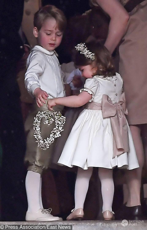 Książę George i księżniczka Charlotte - ślub Pippy Middleton