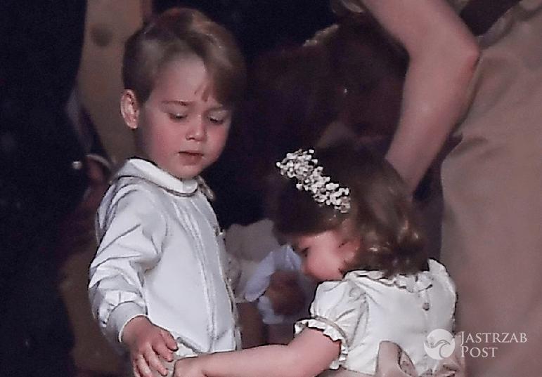 Zdjęcie (11) Księżniczka Charlotte już straciła przywilej, który przysługuje księciu George'owi! Przykra decyzja królowej Elżbiety II!