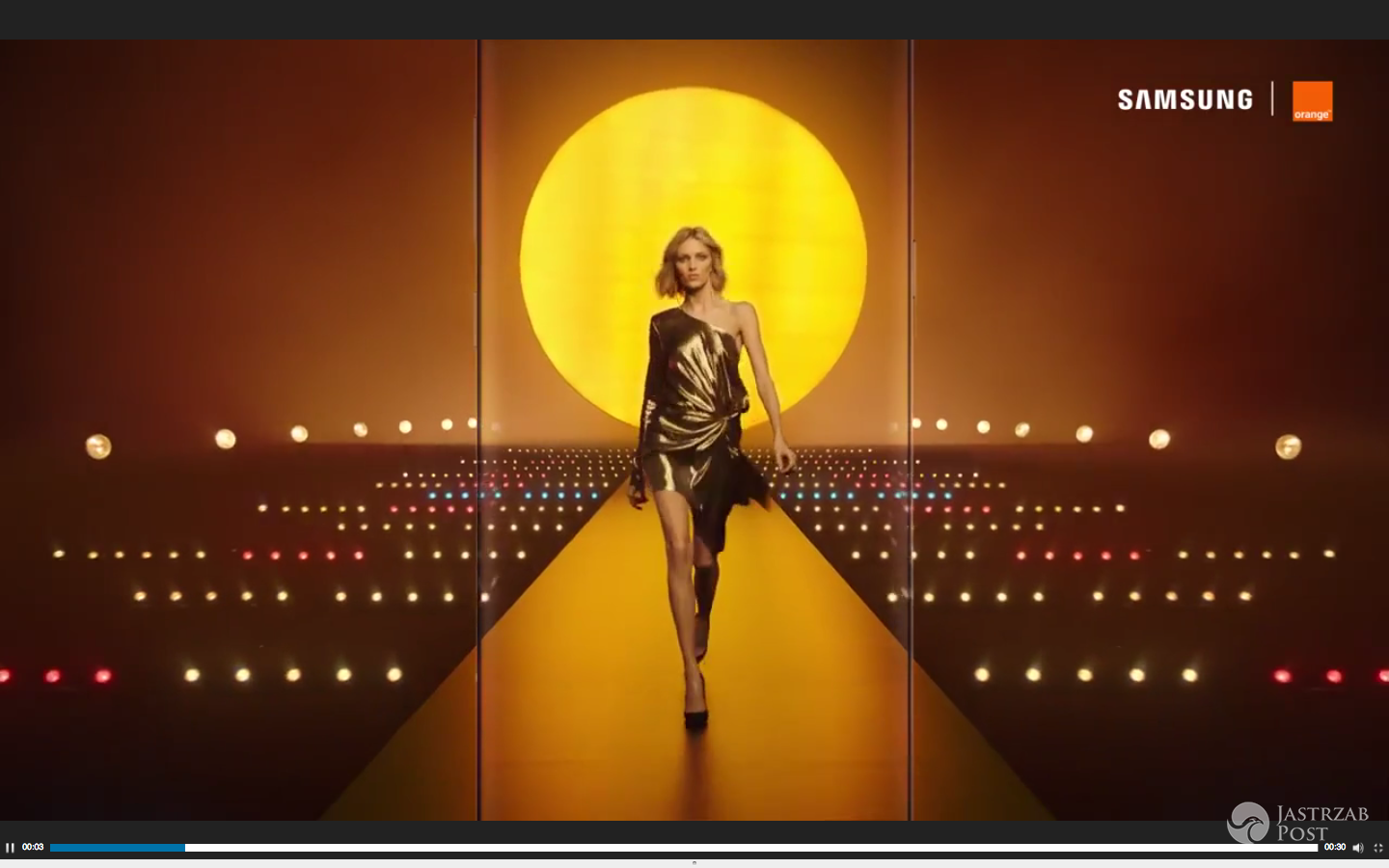 Anja Rubik w reklamie Orange