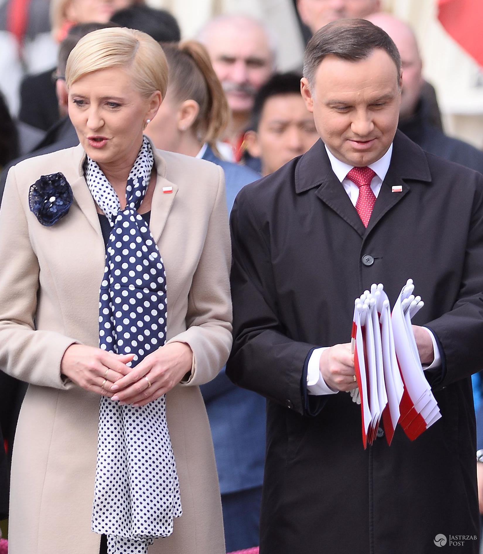 Święto Flagi Narodowej - Andrzej Duda z żoną
