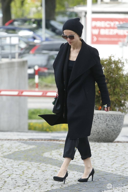 Kasia Zielińska w czarnej stylizacji