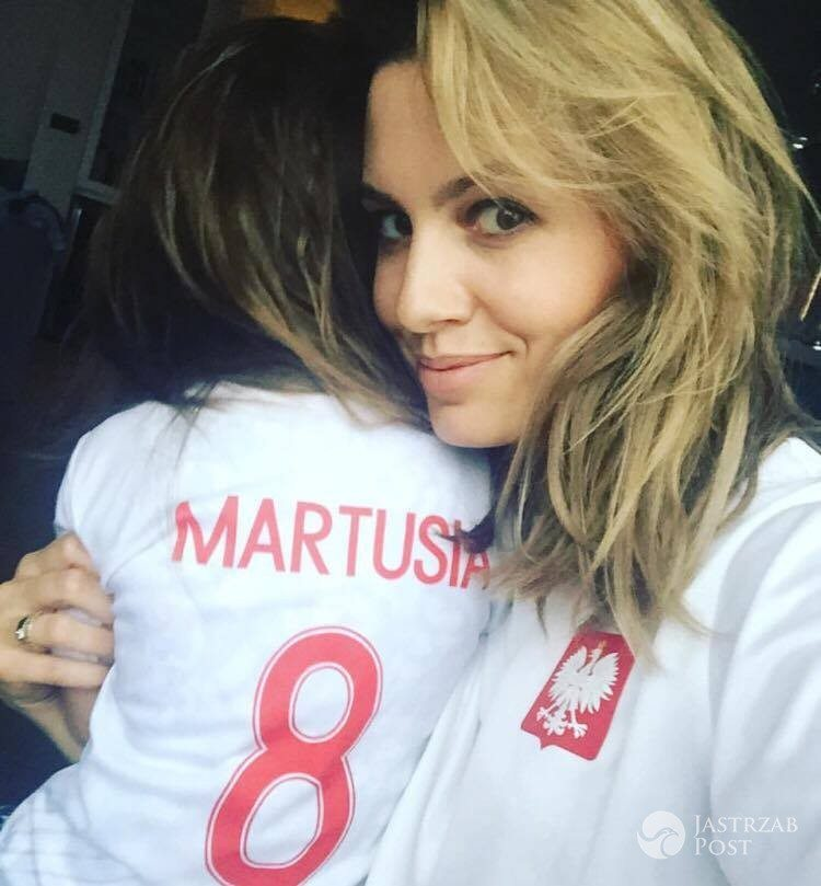 Agnieszka Hyży z córką Martą - mecz Polska-Rumunia 2017