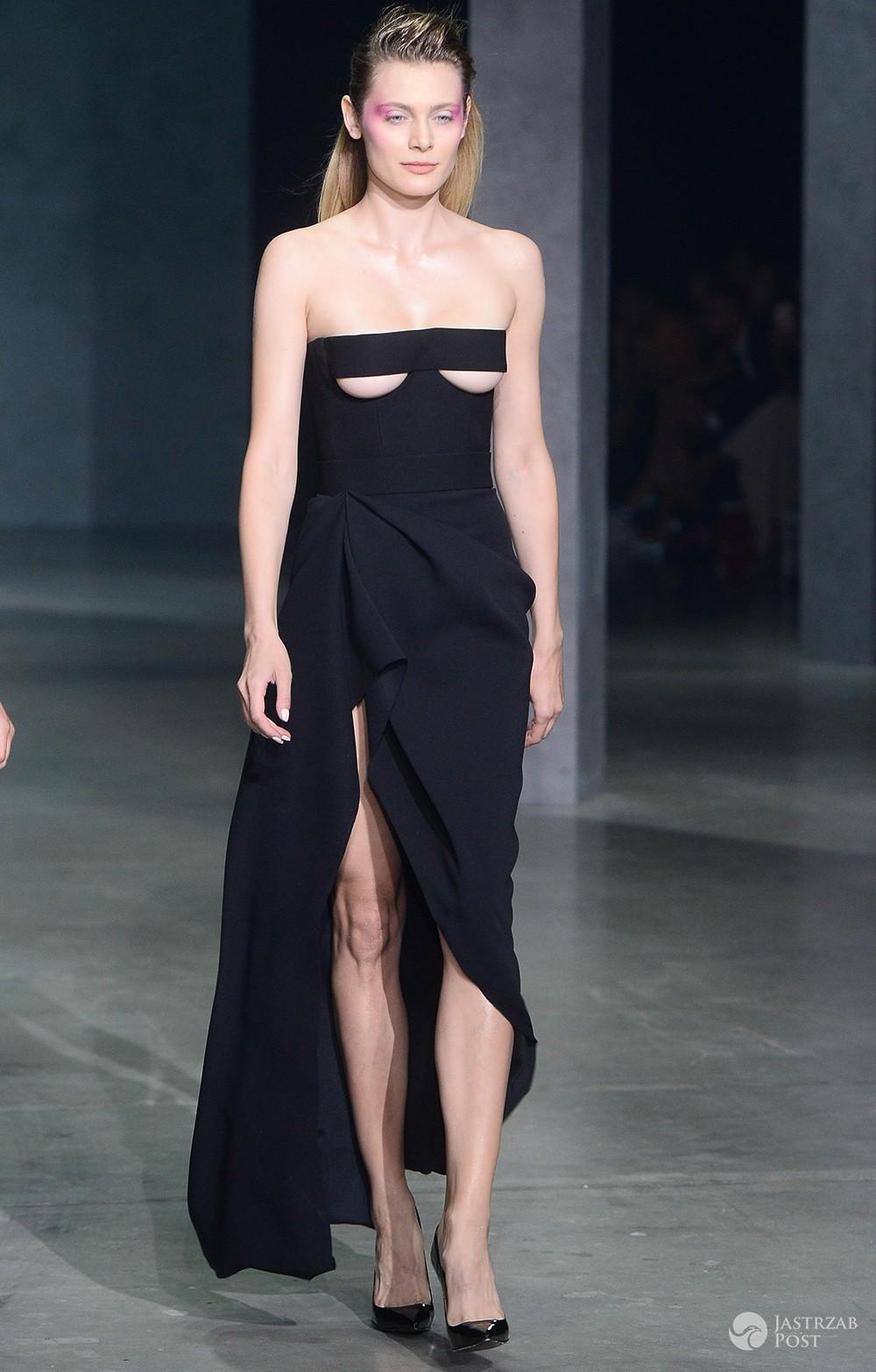 Modelka w sukni Dawida Wolińskiego