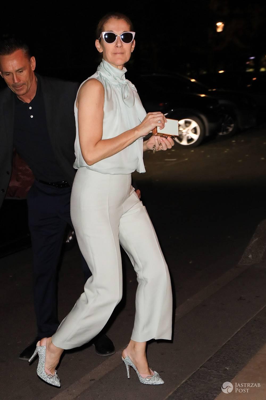 Celine Dion w białym garniturze