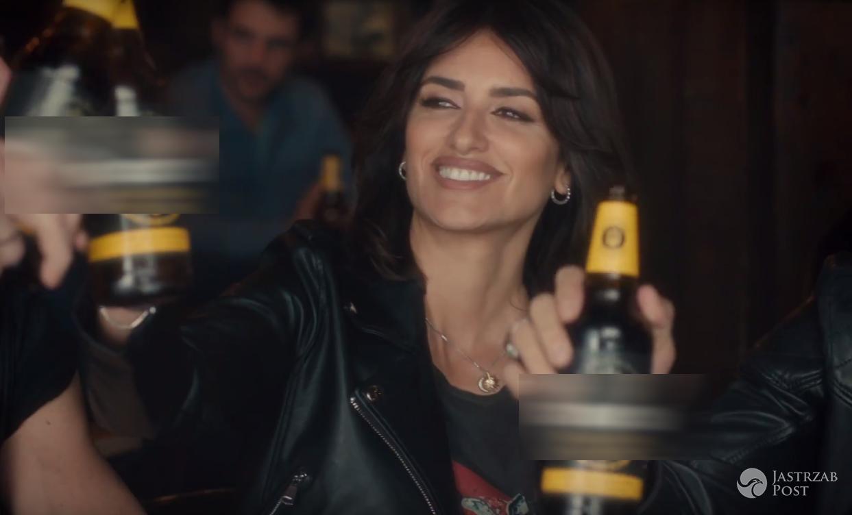 Penelope Cruz w reklamie piwa Karmi