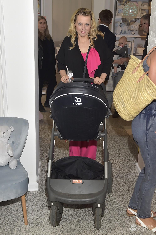 Aneta Kuroń z dzieckiem