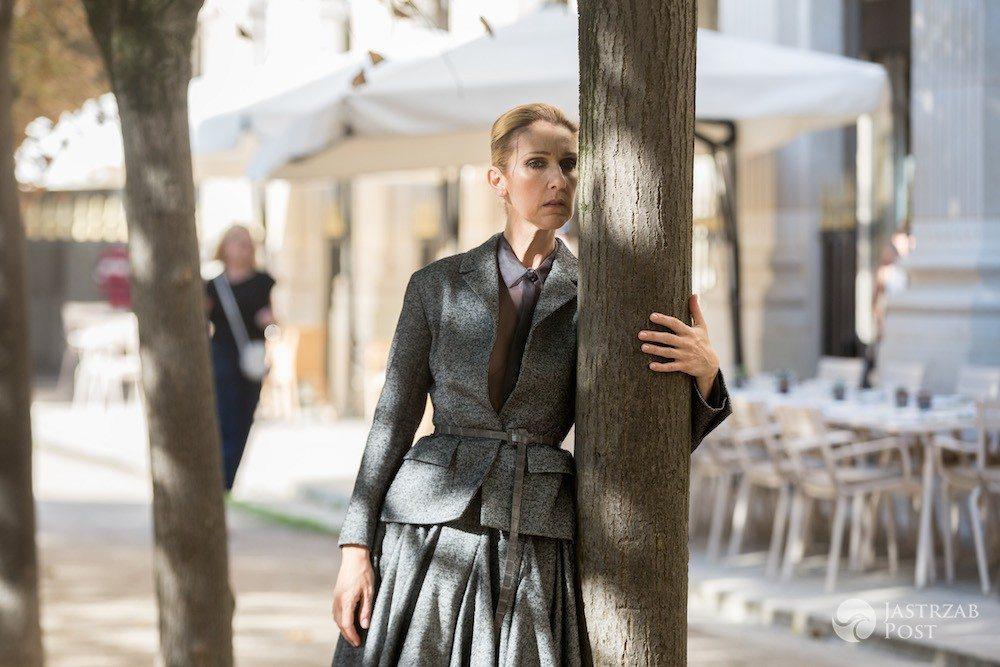 Celine Dion pozuje z drzewem w Vogue'u