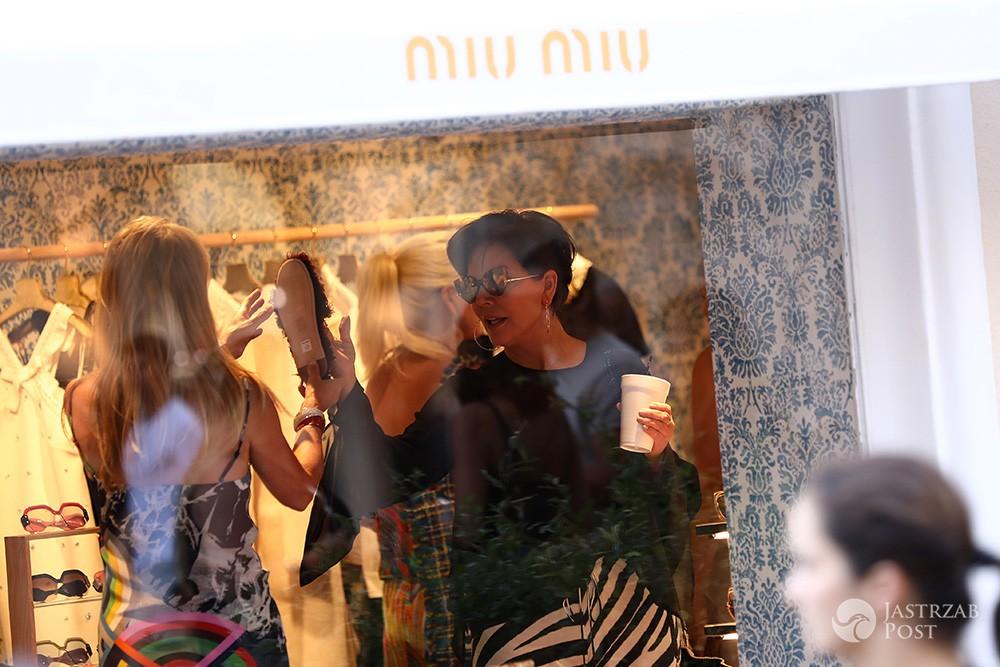 Kris Jenner w Miu Miu w Saint Tropez