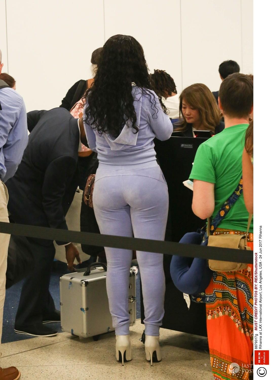 Dlaczego Rihanna przytyła?